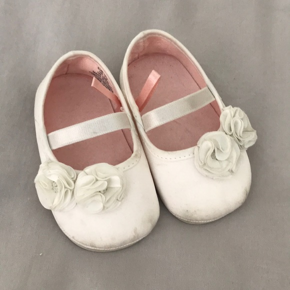 huge inventory new styles best selling H&M White baby ballerina shoes with flowers